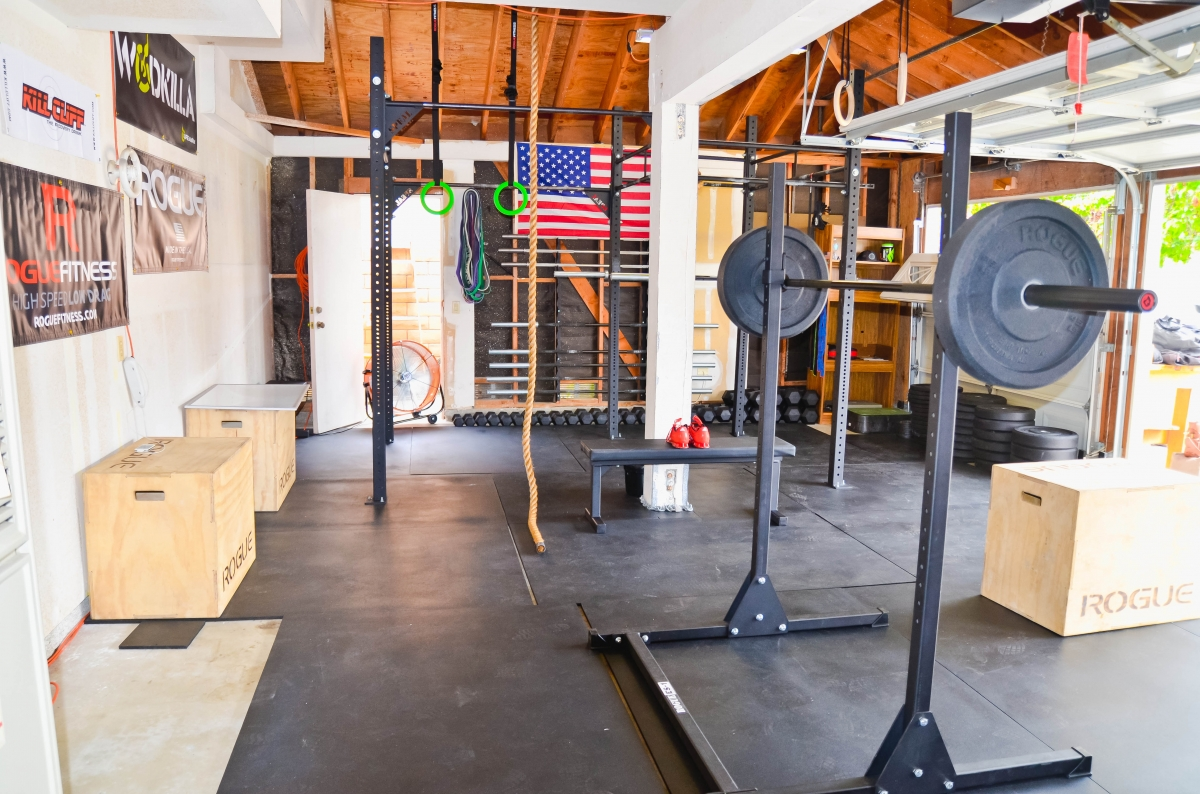 crossfit garage gym, Fully loaded Crossfit garage