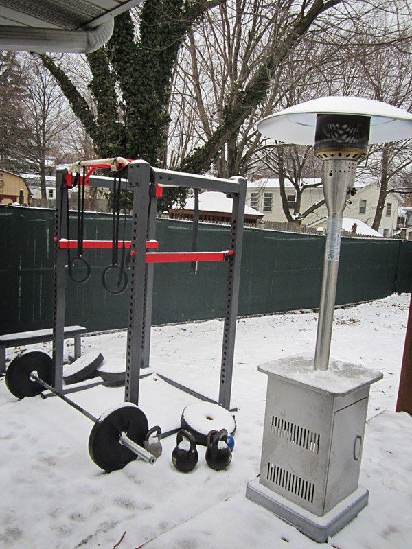 Crossfit outdoor rig in the snow