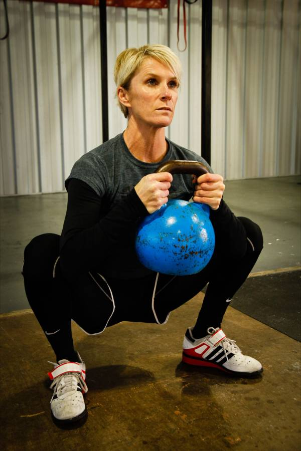 Goblet squat technique for Crossfit