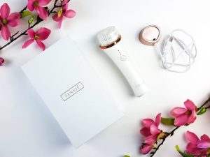 SENSSE Anti-Aging Facial Cleansing Brush and Exfoliator