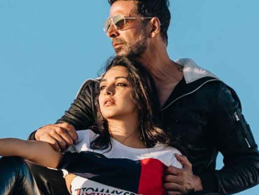 Akshay Kumar & Kiara Advani's Latest Still From LAXMMI BOMB Surely Defines The Second Half Of Its Title