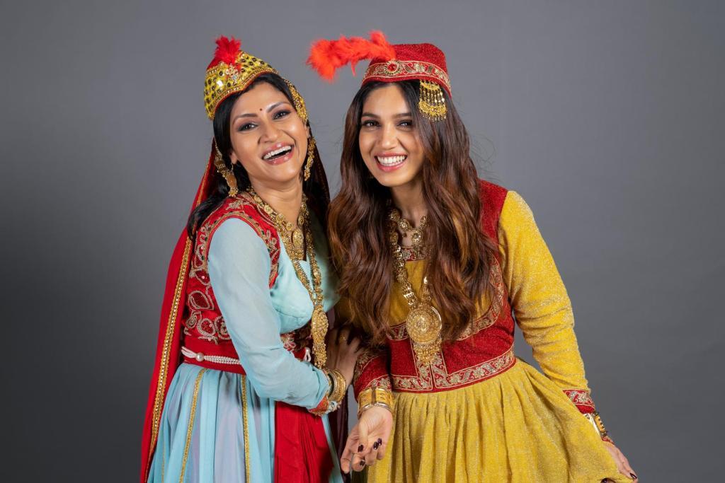 Bhumi Pednekar & Konkana Sen Starrer Dolly Kitty Aur Woh Chamakte Sitare To Premiere On Netflix In September!