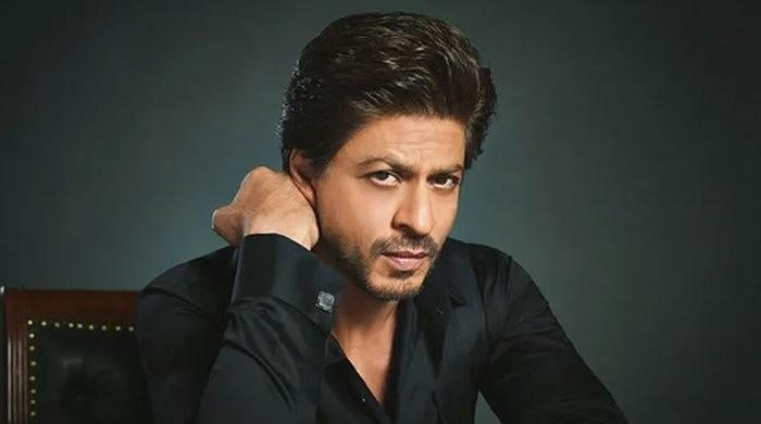 OMG! Shah Rukh Khan Said NO To Almost 20 Scripts Before Finalizing His Upcoming Films
