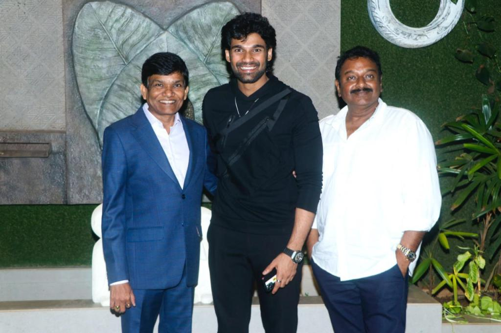 Bellamkonda Sai Sreenivas' Grand Bollywood Debut With The Remake Of SS Rajamouli's Prabhas Starrer 'Chatrapathi' To Be Directed By VV Vinayak Under Pen Studios