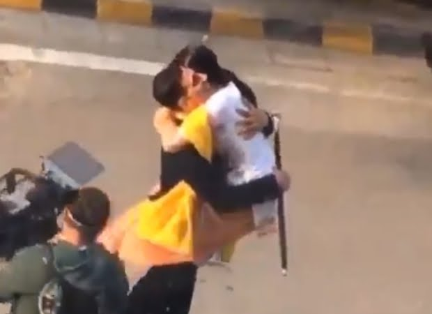 Pictures And Videos Of Akshay Kumar And Sara Ali Khan From The Sets Of Atrangi Re LEAKED!