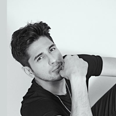 Sidharth Malhotra Stunned Everyone With His Look From Thank God!