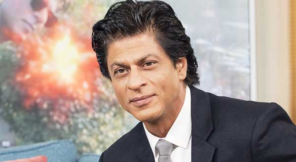 Shah Rukh Khan Says 'See you all on the big screen in 2021' While Wishing Fans Happy New Year In His Recent Video!