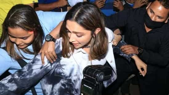 WATCH: Deepika Padukone Struggles To Get Into Her Car As She Gets Mobbed By The Crowd