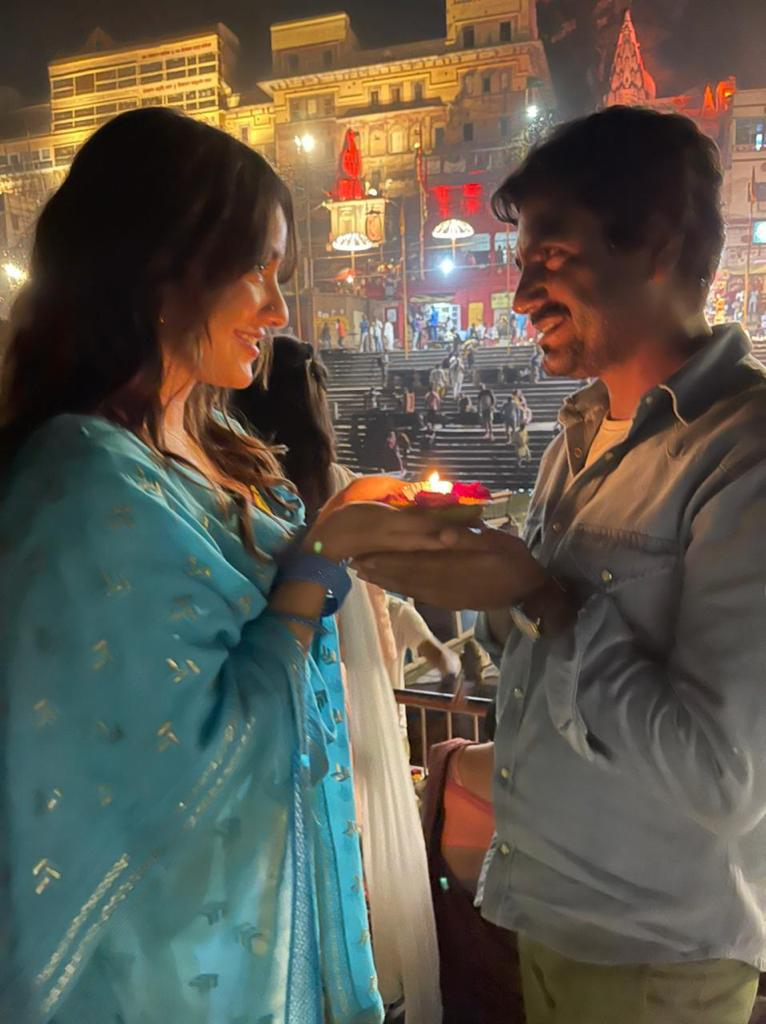 Nawazuddin Siddiqui, Neha Sharma Wrap Up The Shoot Of Kushan Nandy's Jogira Sara Ra Ra!