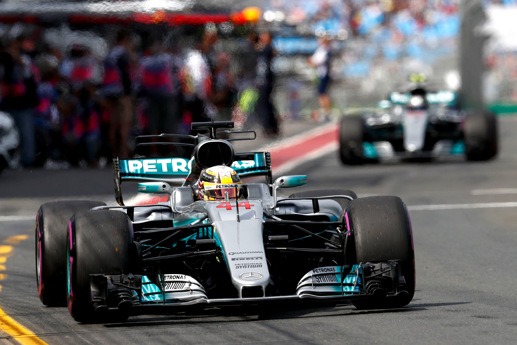 Hamilton rockets into dominant Australian practice lead