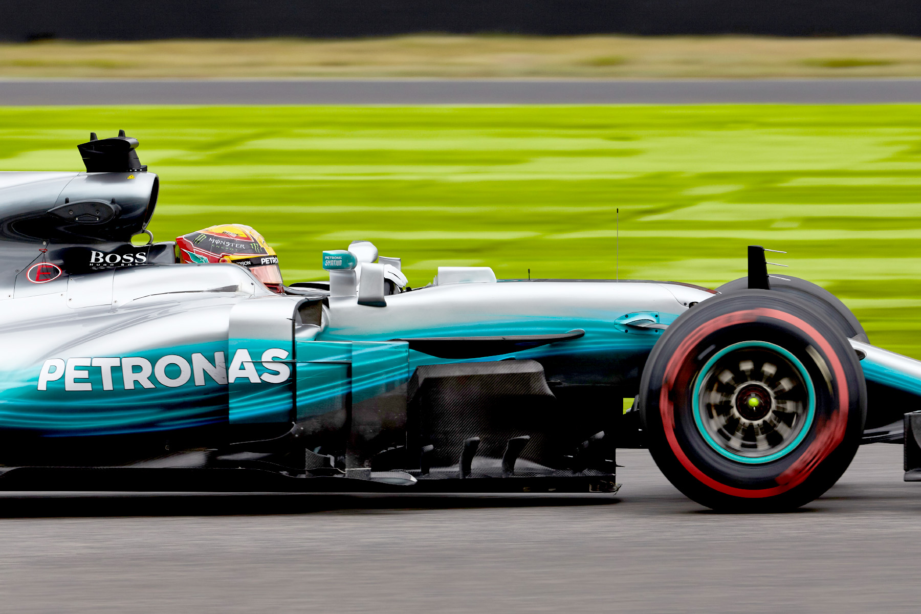 Lewis Hamilton cruises at the 2017 Japanese Grand Prix.