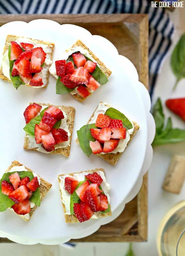 triscuits with strawberry and basil