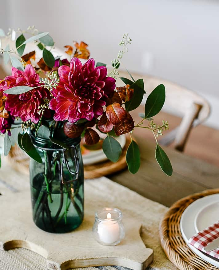 This year we've teamed up with some wonderful friends to share all of our fall decorating ideas. We started with our fall kitchens, and now we're sharing ideas for easy fall centerpieces and table decorations to inspire you as you welcome family and friends into your home this season!