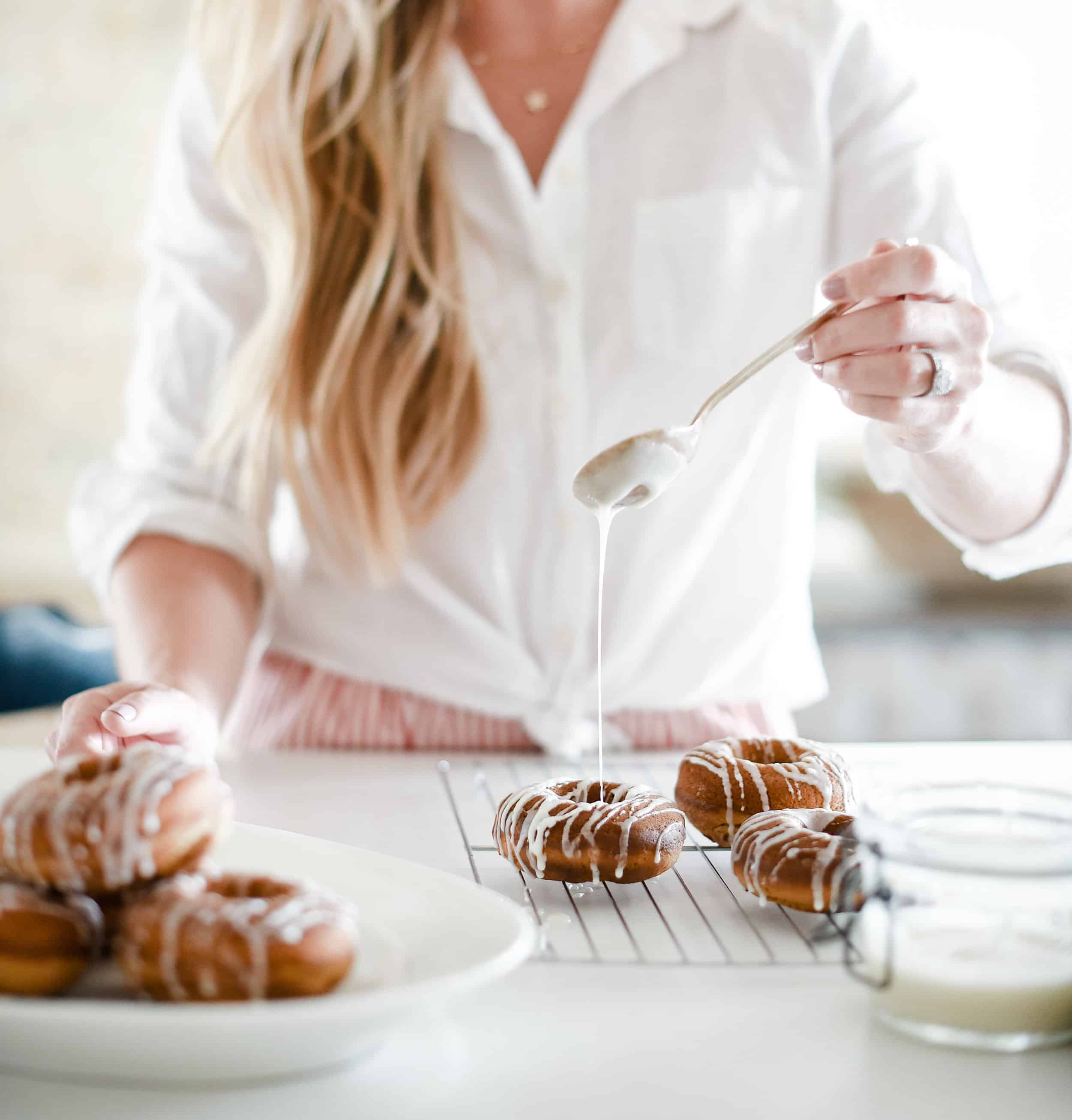 Fall is right around the corner, and that means it's time to break out the pumpkin recipes! Here are 20 delicious recipes to give a whirl this season – like these baked pumpkin donuts! Will you find a new favorite?
