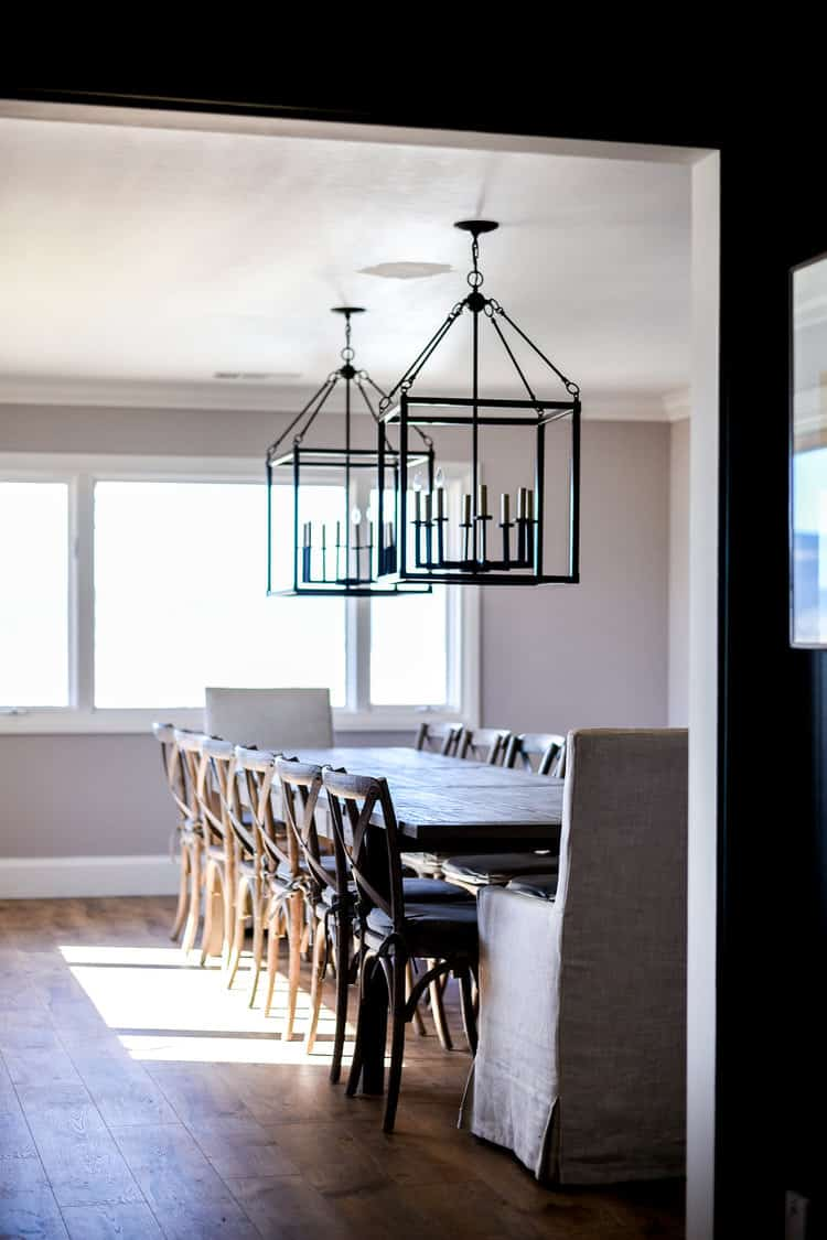 A French Country Inspired Dining Room   ORC Week 5 #diningroom #farmhousediningroom #modernfarmhouse #modernfarmhousediningroom #diningroomremodel #oneroomchallenge