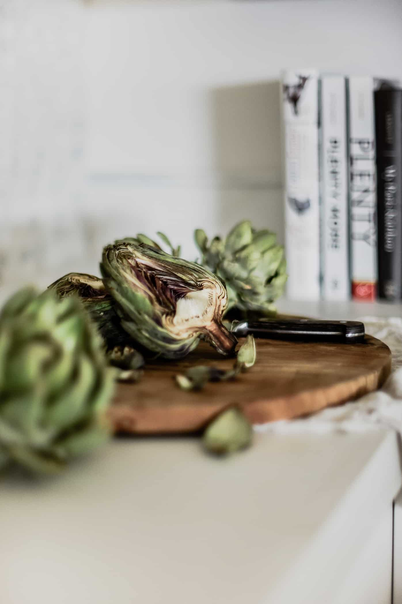 Artichokes are a hearty vegetable that can be grown in any climate, and enjoyed throughout fall! Follow this guide to learn how to grow artichokes in your garden!
