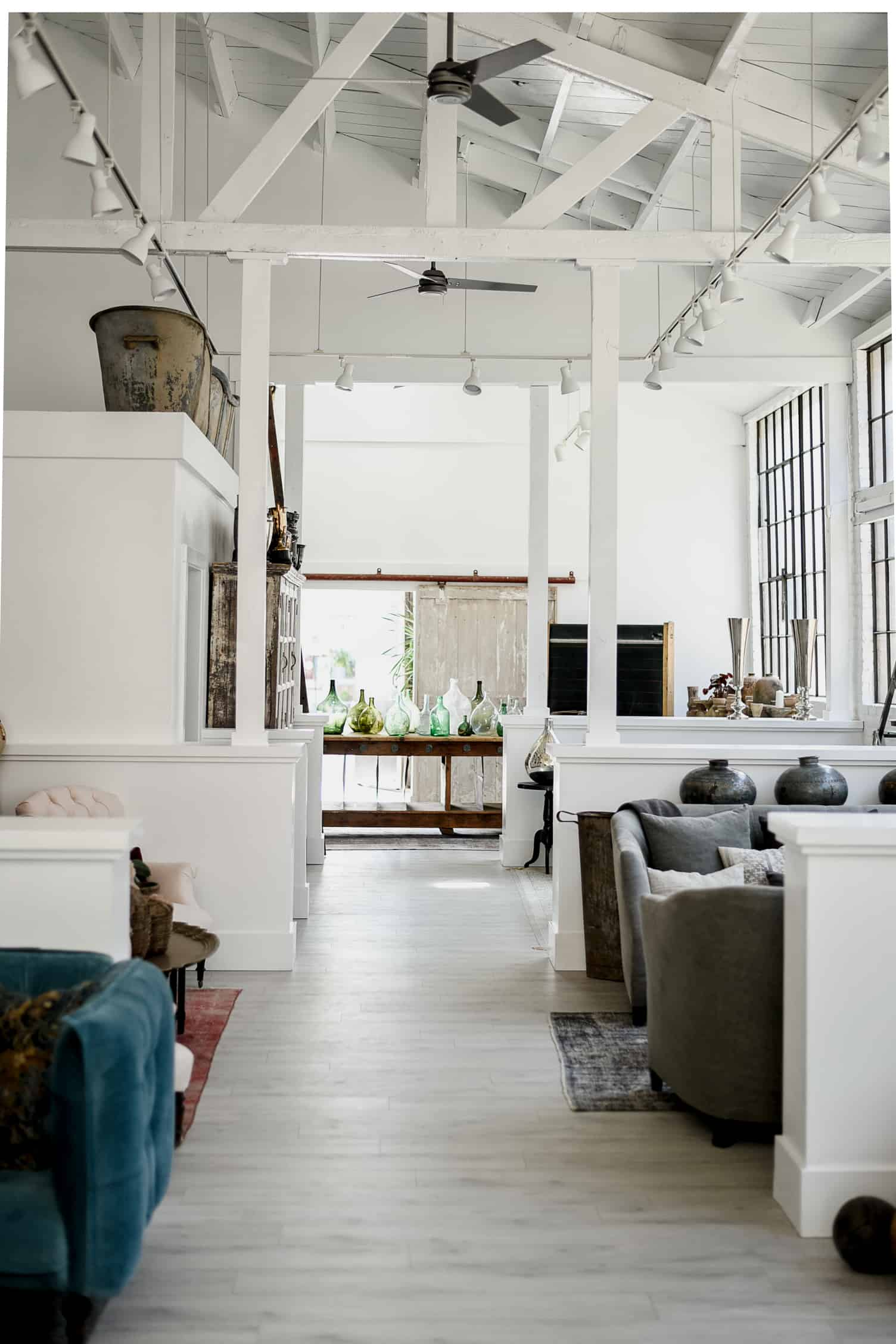 Found Vintage Rentals sources vintage furnishings from all over the world for weddings and events in California! Here's a peek at their brand new showroom & warehouse in Emeryville!