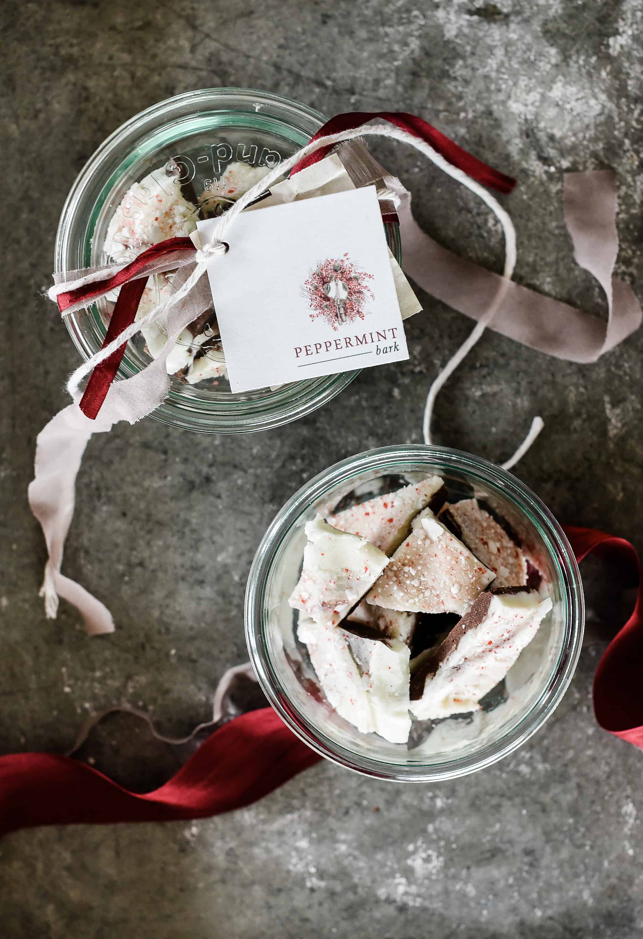 Best Christmas Desserts:Homemade Peppermint Bark