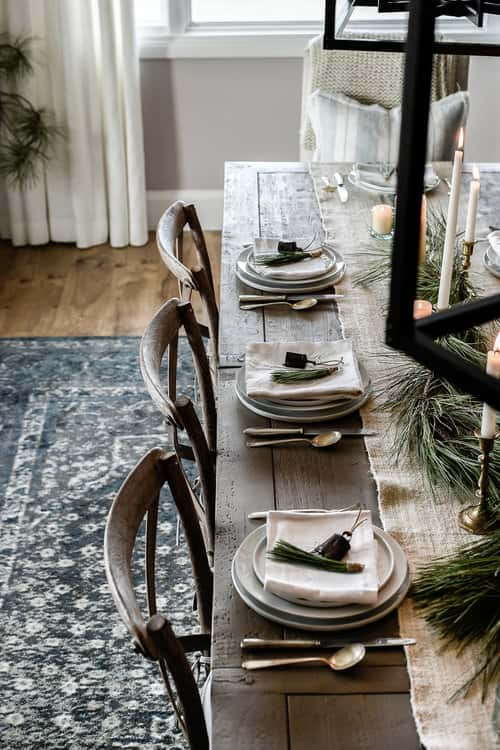 10 beautiful Christmas tablescapes from some of my favorite bloggers that will 100% inspire your holiday dining room this year! Plus – we're each sharing a few of our top entertaining tips to help you get through the season with ease!