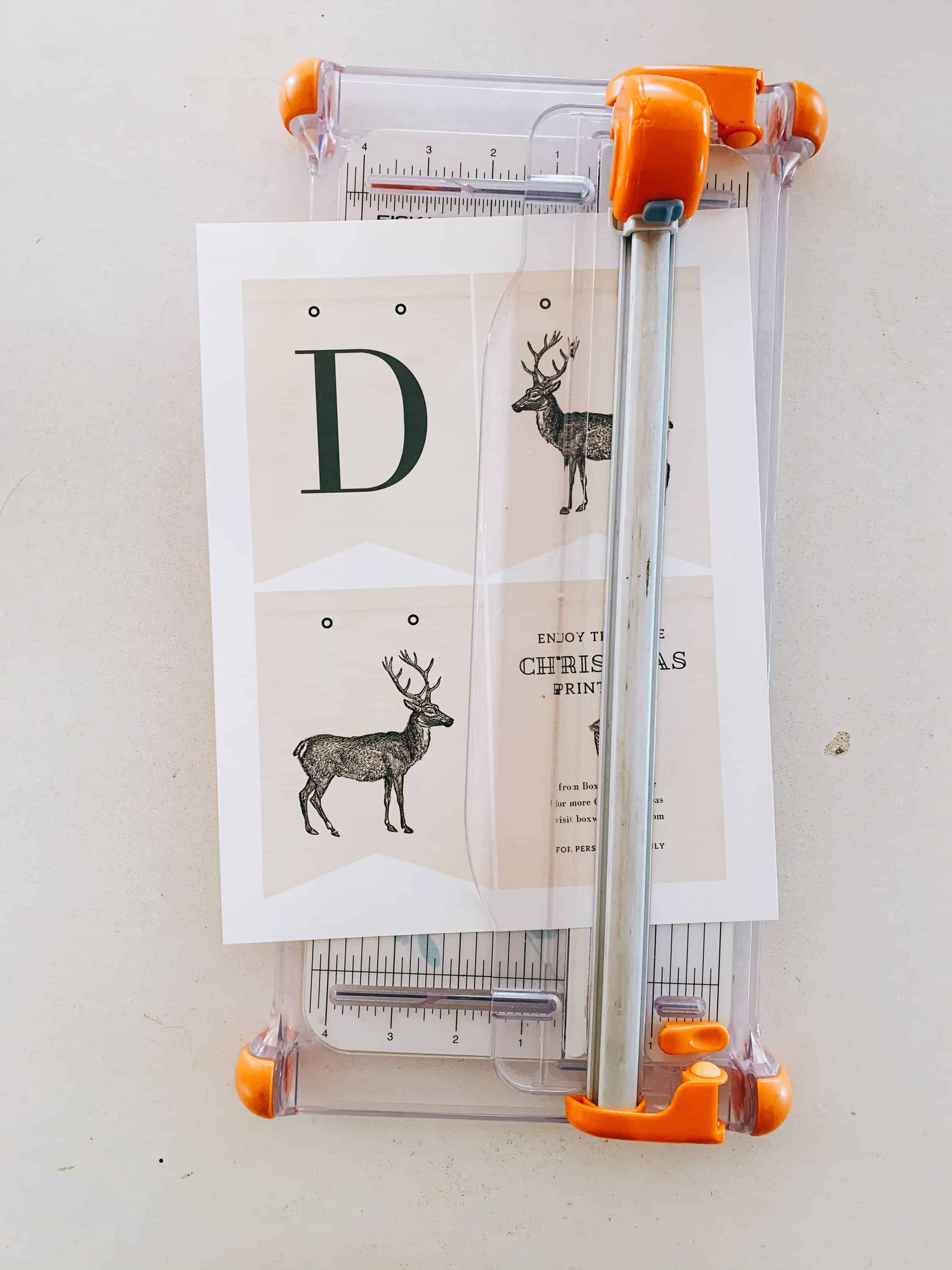 Make this darling Christmas Banner with my free printable PDF file!