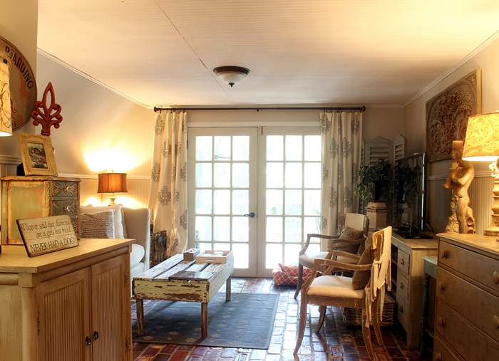 cottage/ French Country den