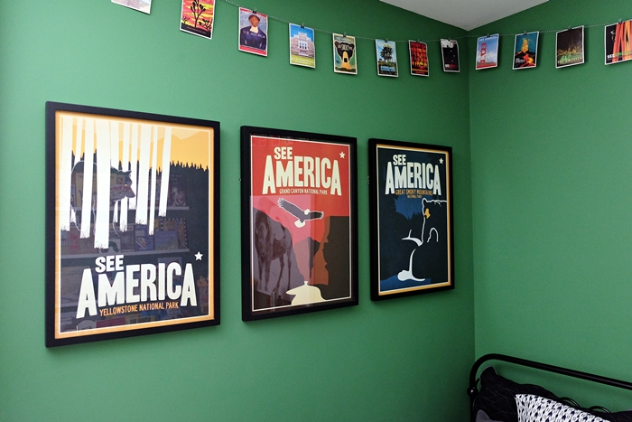 See America posters in Abe's room