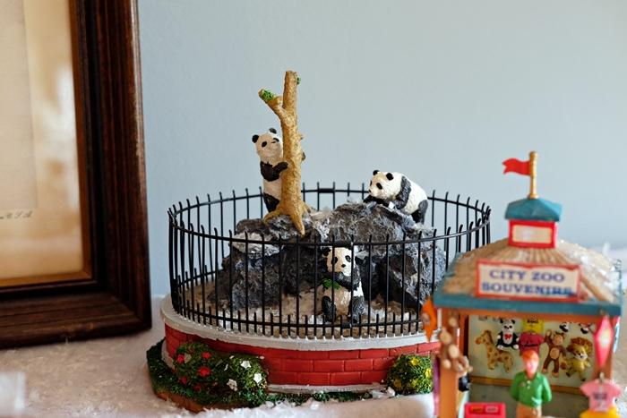 lemax zoo pandas