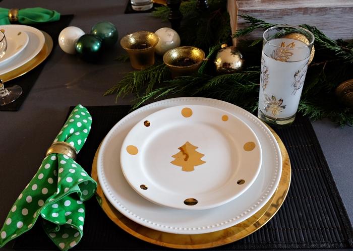 gold christmas tree plates