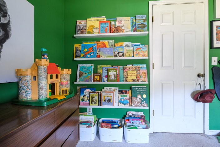 kid's room with book ledges from Ikea