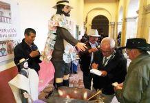 Los labriegos le llevaron la limosna a su santo patrono en Monguí. La ofrenda de comida y dinero.