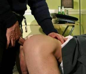 Cop Off | Trepando com dois policiais cacetudos