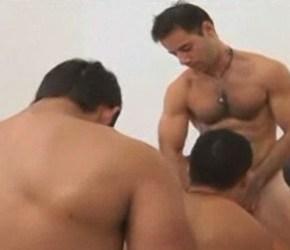 Parada Gay - Argentinos socando rola