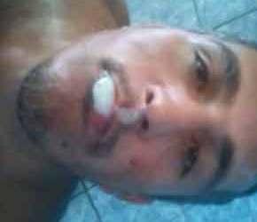 Cafuçu submisso fica com a boca cheia de porra - Amador Nacional