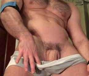 Homens sarados e seus caralhos pesados