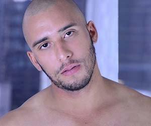 Fernando Litoral - careca, barbado e aquele dote