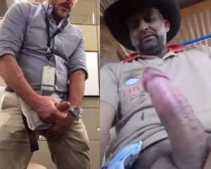 Homens safados gozando com fartura no trabalho