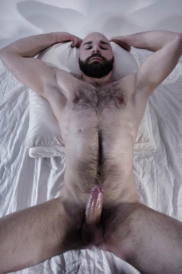 homens pelados pênis peludos