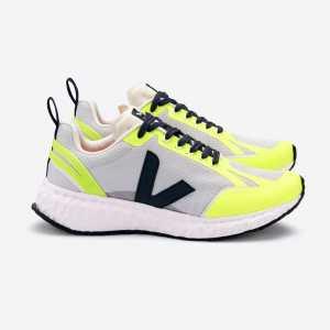 Vega running trainers