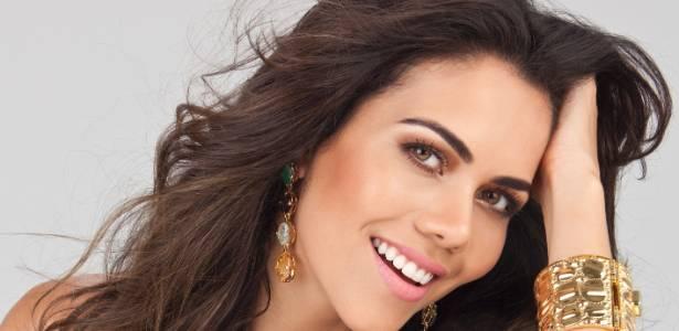 Daniela Albuquerque participa do Bate-papo UOL