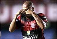 Souza chora durante jogo da Libertadores para provocar o rival Botafogo por reclamar