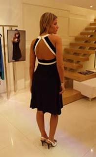 """1c5a2acf4 """"Tudo agora brilha"""", anunciou Cláudia. Nas vitrines, amigas e clientes, em  fotos do Vicente de Paulo. Nos cabides, bons preços, como o vestido de  malha com ..."""