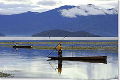 [Image: Danau+Paniai+Irian+Jaya.jpg]