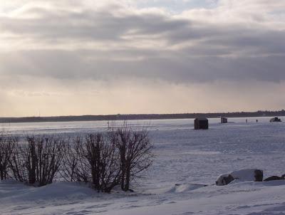 Huts on Lac Deschenes