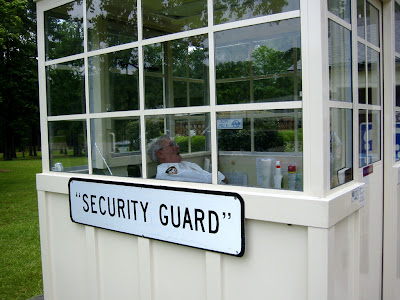 security_guard.jpg