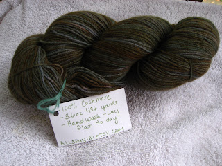 Recycled and handpainted cashmere yarn