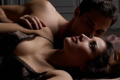 Marito e moglie che hanno il sesso anale