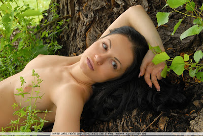 girlfriend nude tease gallery