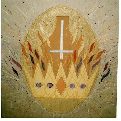 Ornamento sacro apresentando a cruz invertida de São Pedro - Igreja Anglicana de São Pedro ad Vincula, Stoke on Trent, Inglaterra