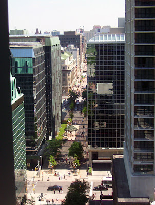 Beginning of the Sparks Street Mall
