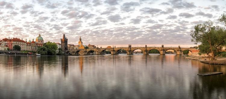 Wycieczka do Pragi - zwiedzanie Mostu Karola, Hradczany, zegar Orloj, Plac Vacława
